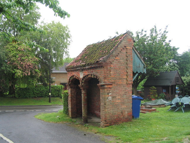 "File:""Rest and be thankful"" shelter on Back Lane, Searby - geograph.org.uk - 851171.jpg"