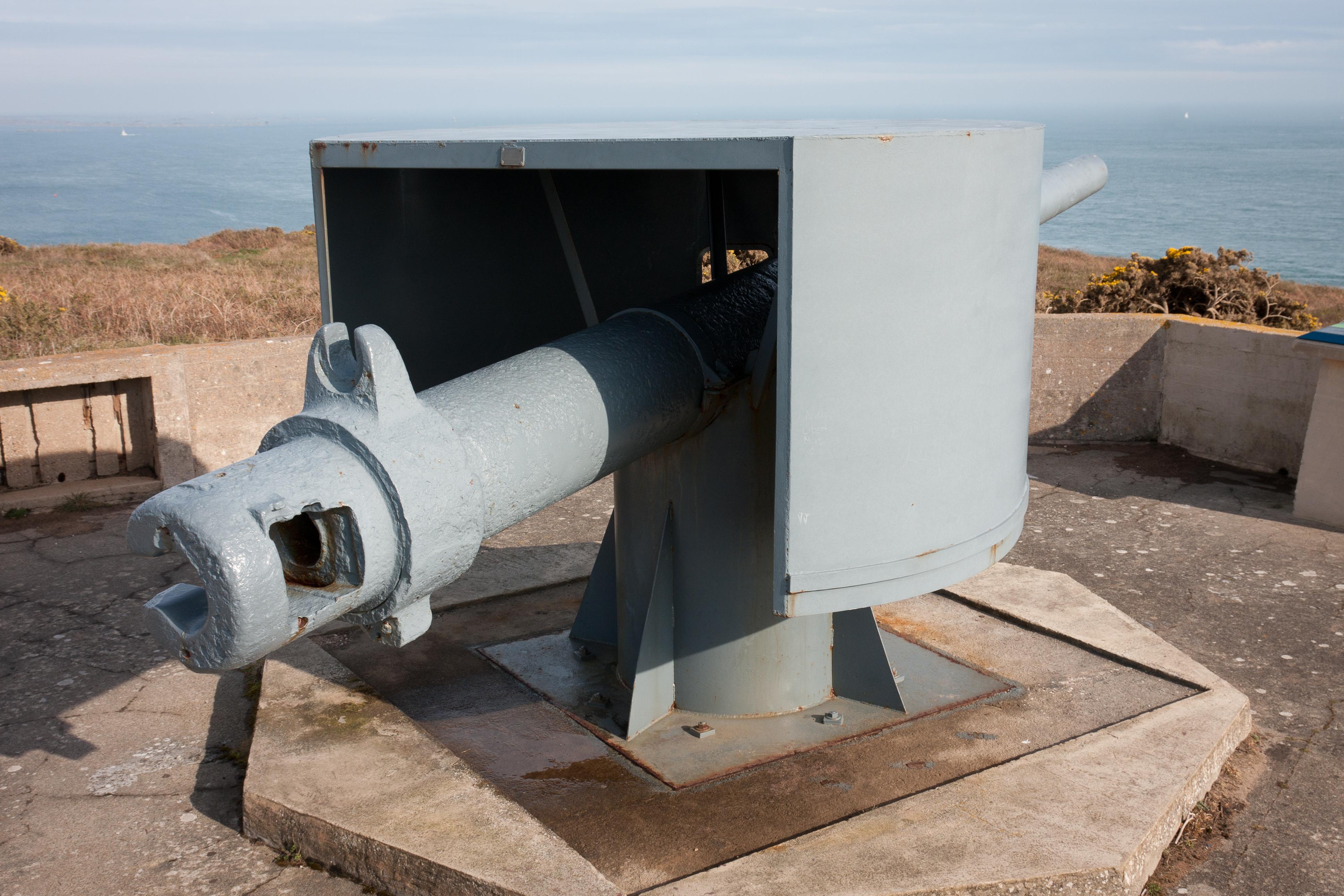 28 cm SK L/40 gun