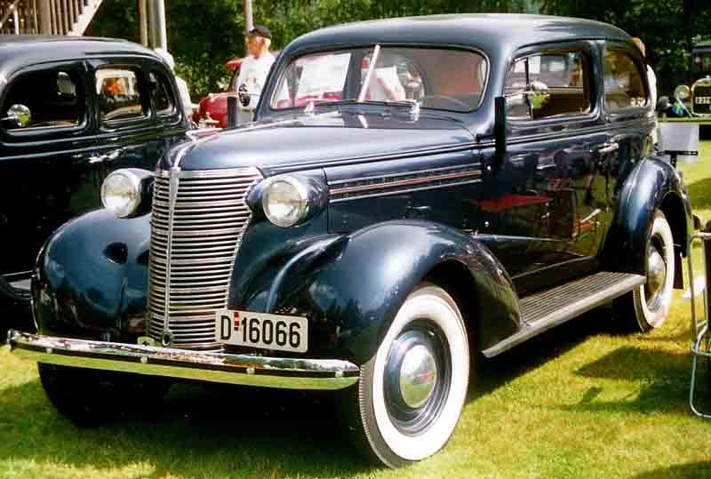 Description 1938 Chevrolet Coach.jpg