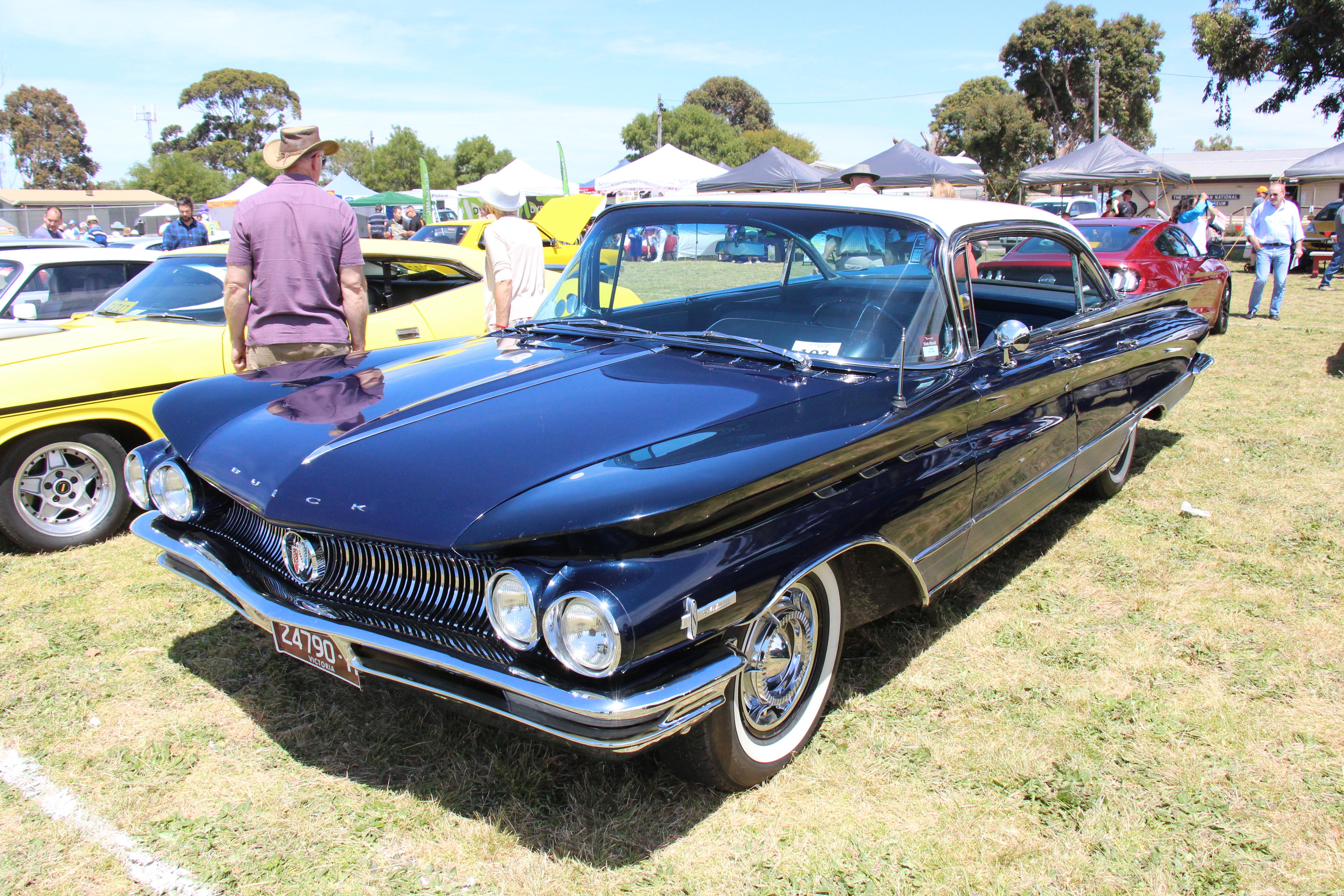 File1960 Buick Electra 225 Riviera Hardtop 31035067141jpg