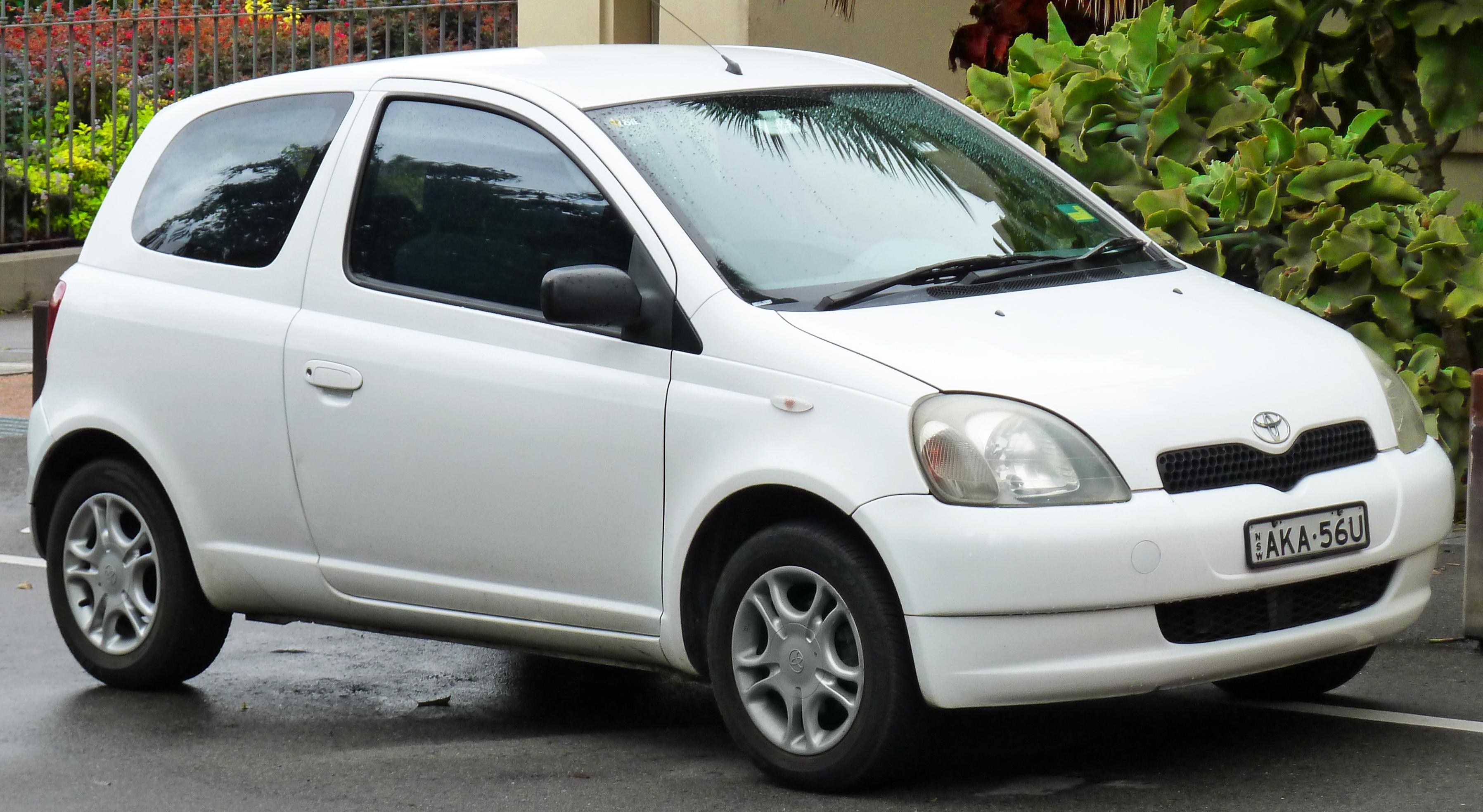file 1999 2003 toyota echo ncp10r 3 door hatchback 2011
