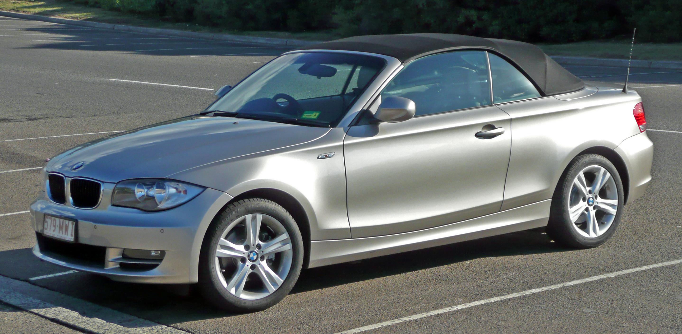 2010 BMW 120i photo - 1
