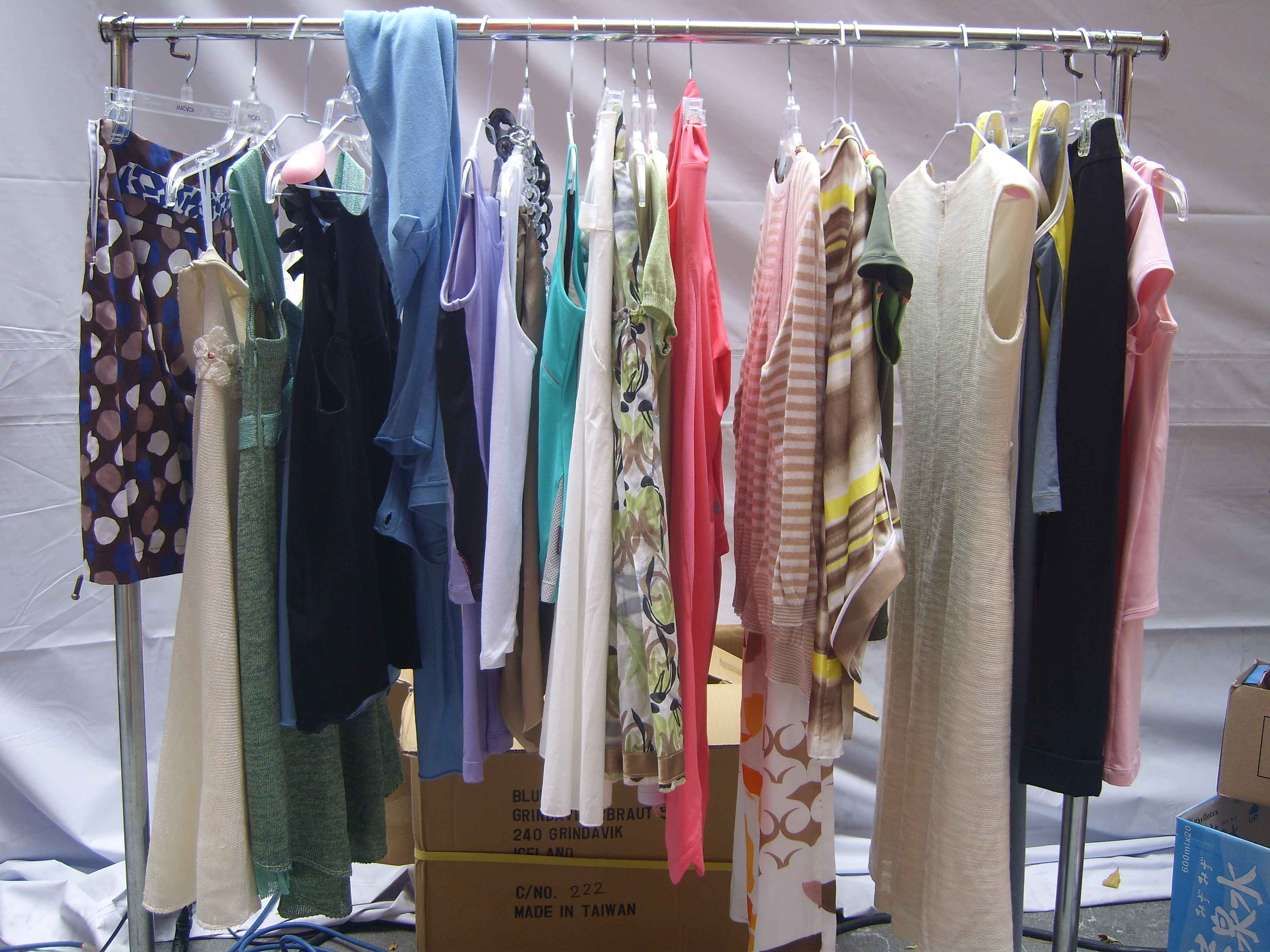 Aparador Thunder Fight ~ File 2008 Taipei In Style Outdoor Fashion Show Clothes Racks jpg Wikimedia Commons