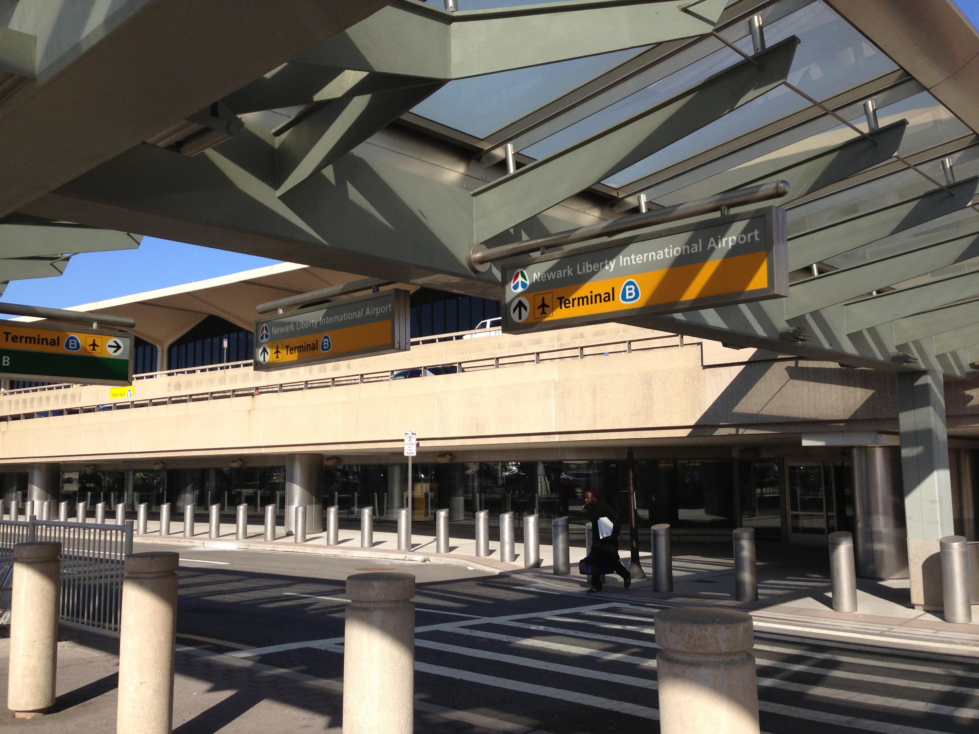 newark airport handgun arrest