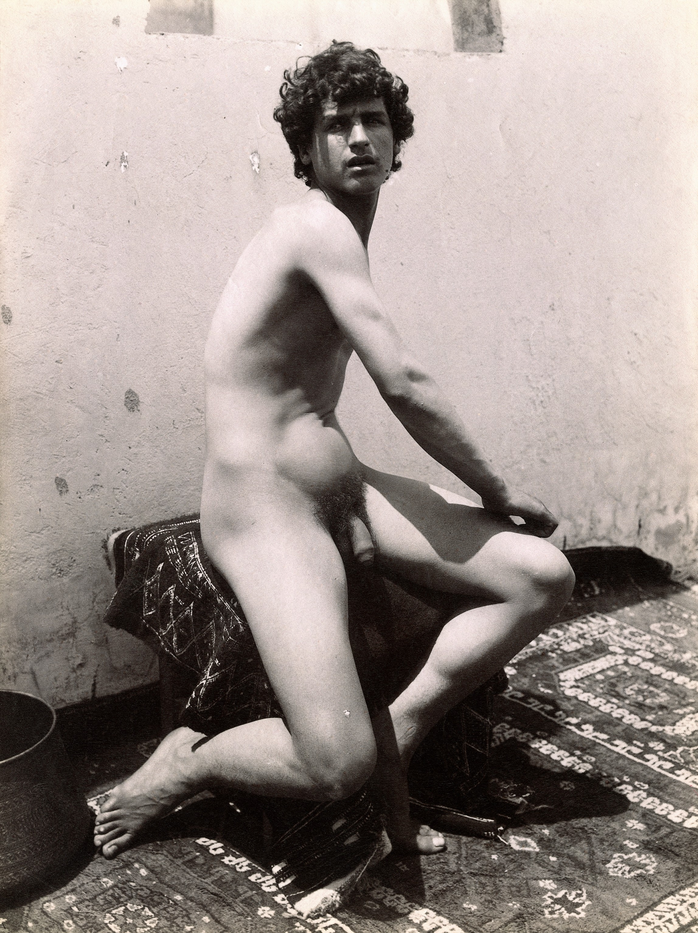 File:A Sicilian boy, posing naked outdoors. Photograph, ca ...: http://commons.wikimedia.org/wiki/File:A_Sicilian_boy,_posing_naked_outdoors._Photograph,_ca.1900,_Wellcome_V0048535.jpg