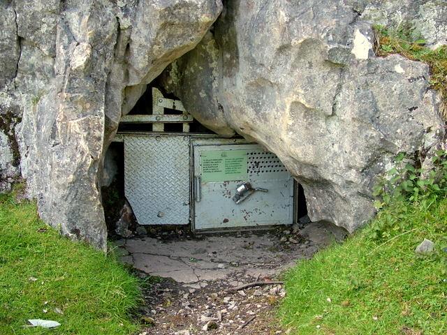Agen Allwedd Cave - geograph.org.uk - 609736