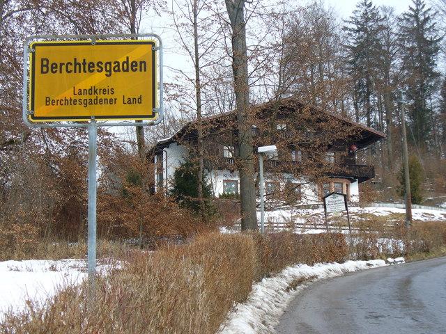 File:An der Kalbersteinstrasse - geo.hlipp.de - 7891.jpg