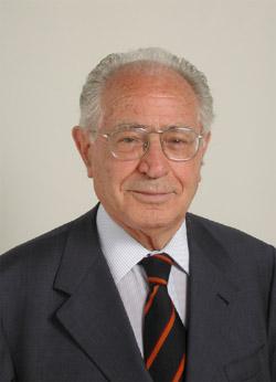 Antonio Maccanico 2001.jpg