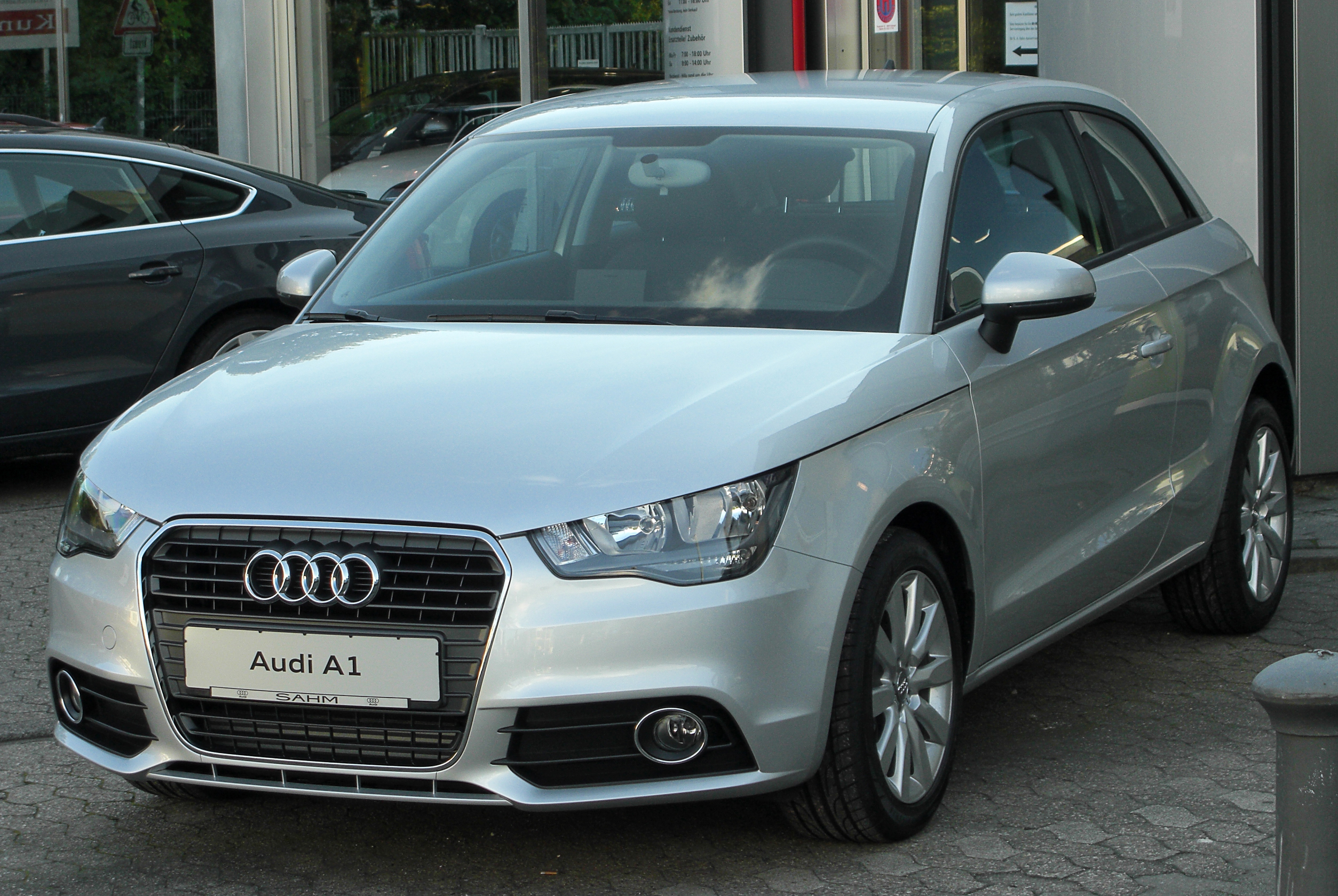 file audi a1 1 6 tdi ambition front wikimedia commons. Black Bedroom Furniture Sets. Home Design Ideas