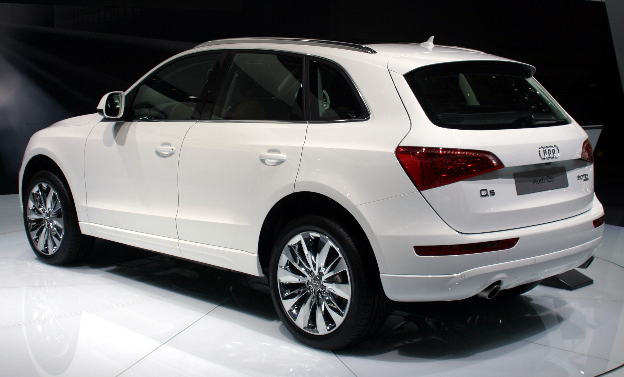 White Audi Q Cars For Sale
