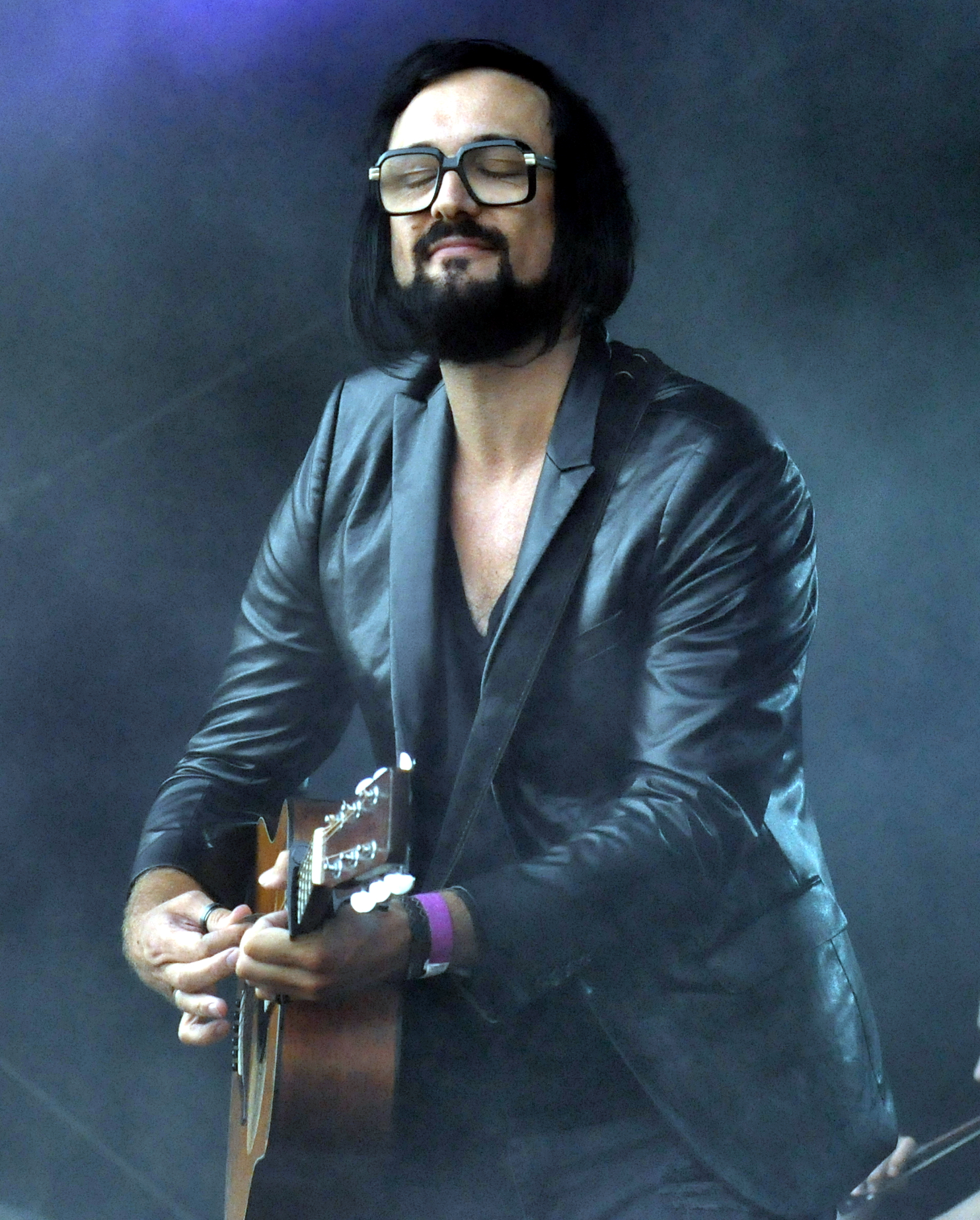 The 43-year old son of father (?) and mother(?) Blaudzun in 2018 photo. Blaudzun earned a  million dollar salary - leaving the net worth at 0.3 million in 2018