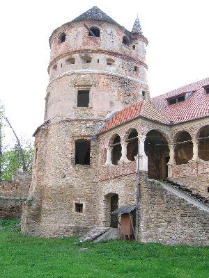 File castelul bethlen wikimedia commons for Bisley ladeblok