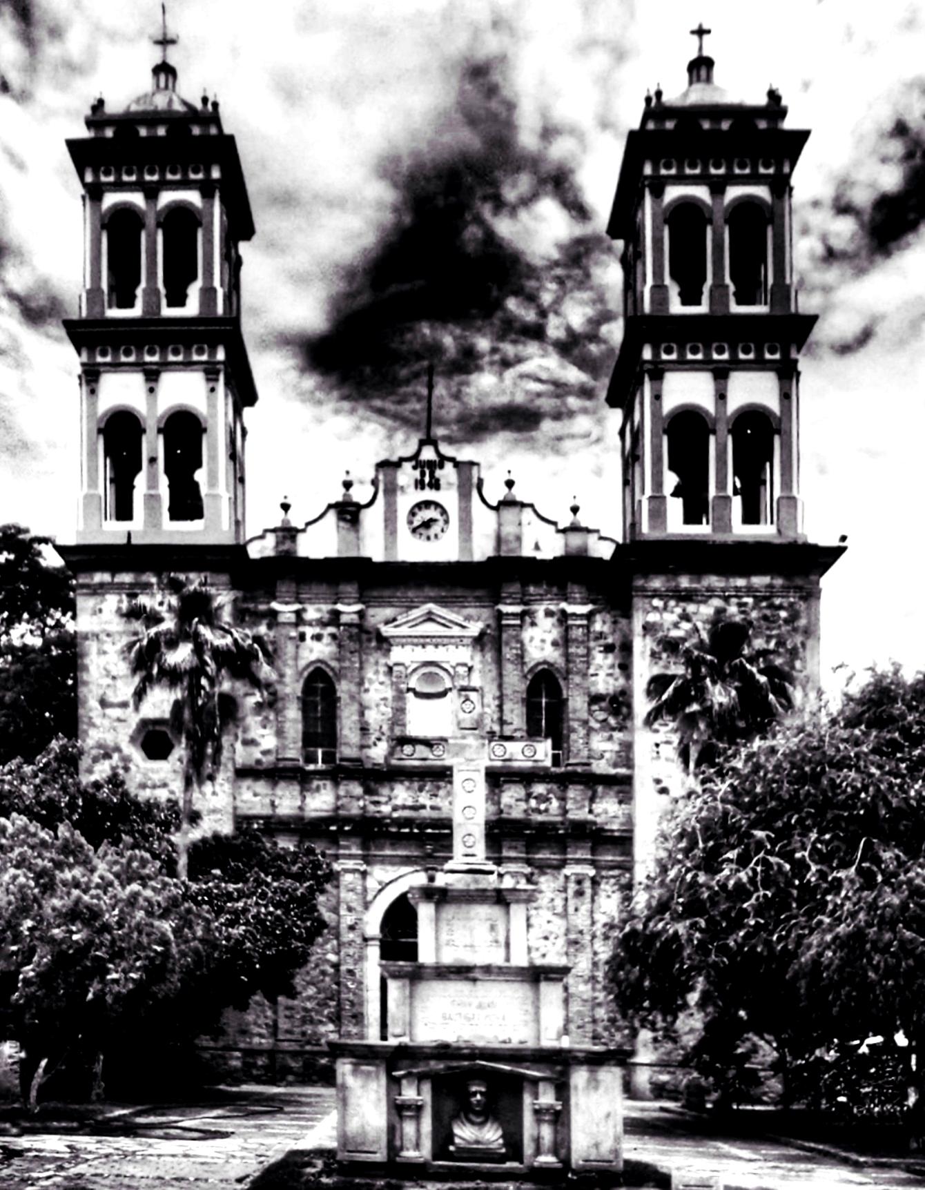 File Catedral De San Juan Bautista En Ciudad Altamirano Corazon De Tierra Caliente Guerrero Jpeg Wikimedia Commons