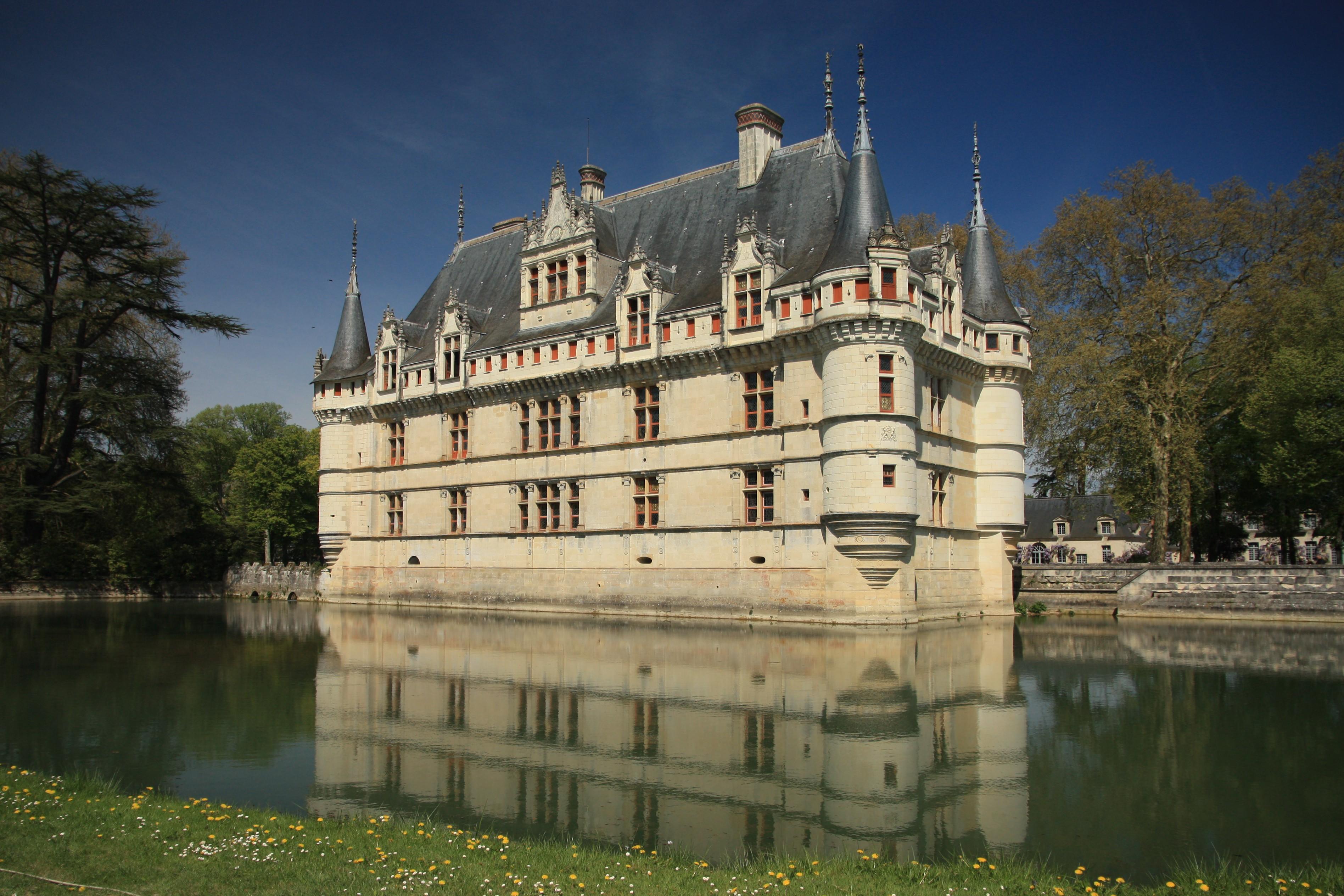 Top 10 des ch teaux de la loire visiter - Visite chateau azay le rideau ...