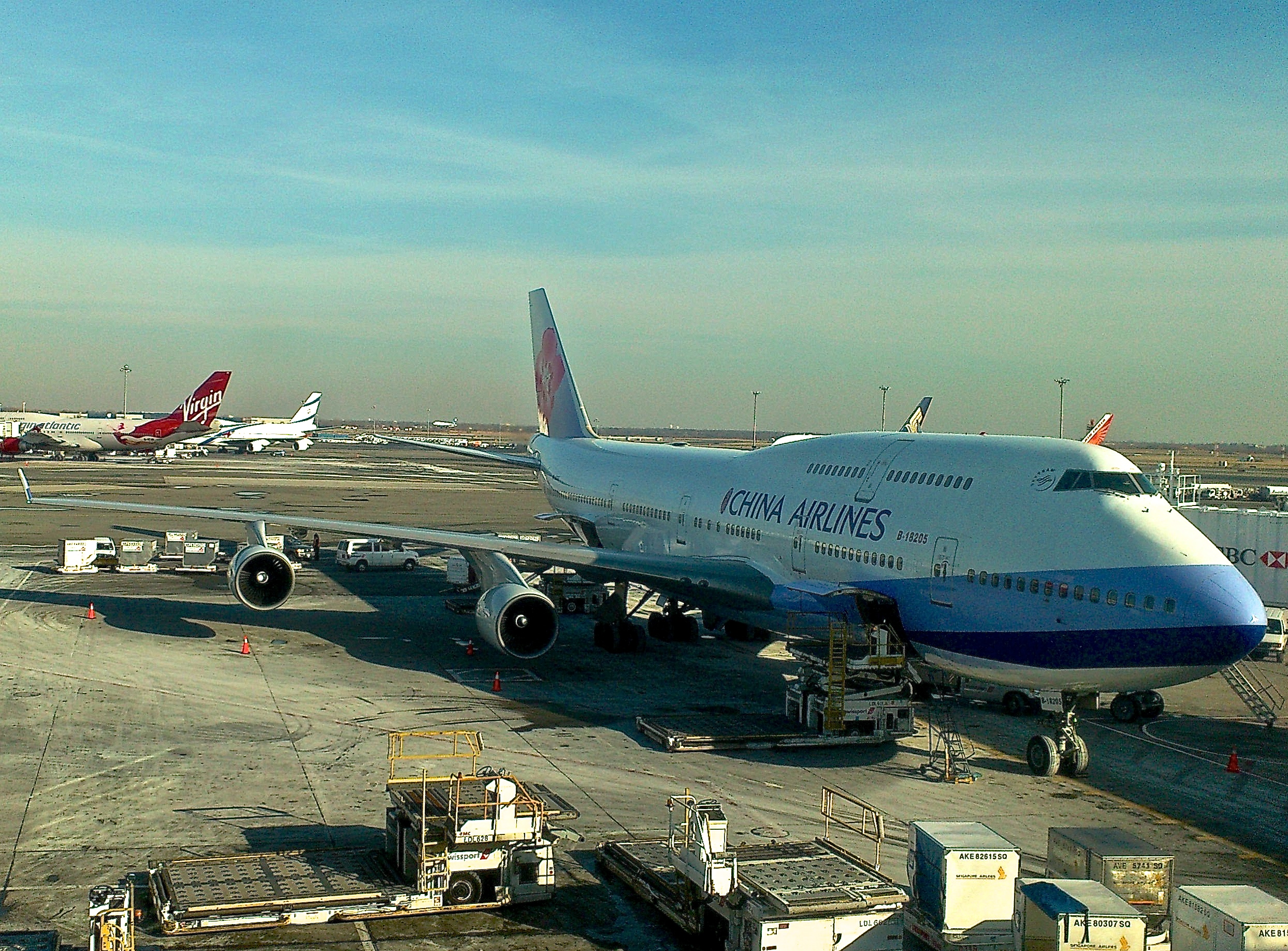 File:China Airlines Boeing 747-400 In New York City.JPG ...