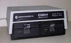 Unidad doble de discos Commodore 4040