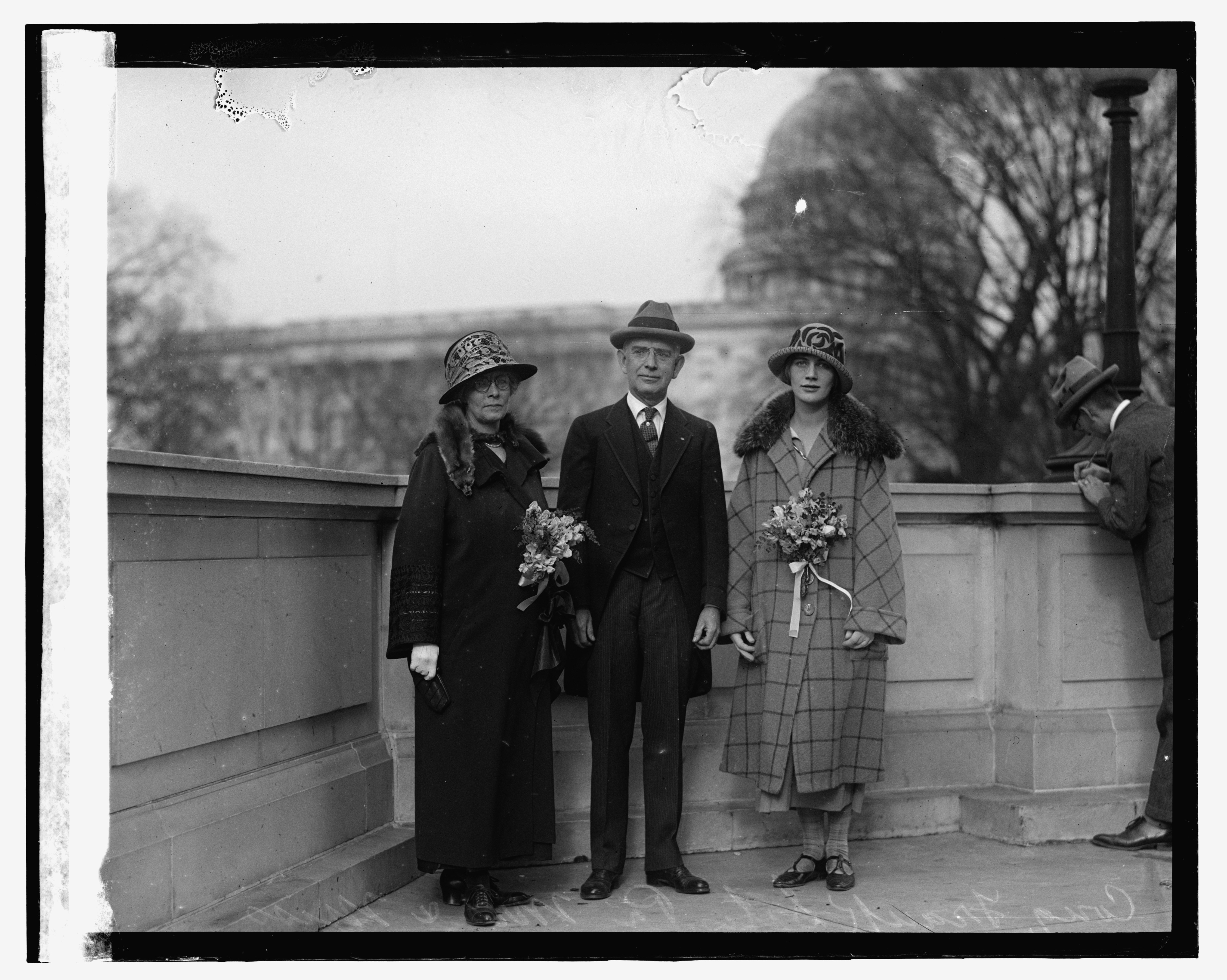 Cong. Sites & family, 12-7-23 LOC npcc.10033.jpg English: Title: Cong. Sites & family, 12/7/23 Abstract/medium: National Photo Company Collection