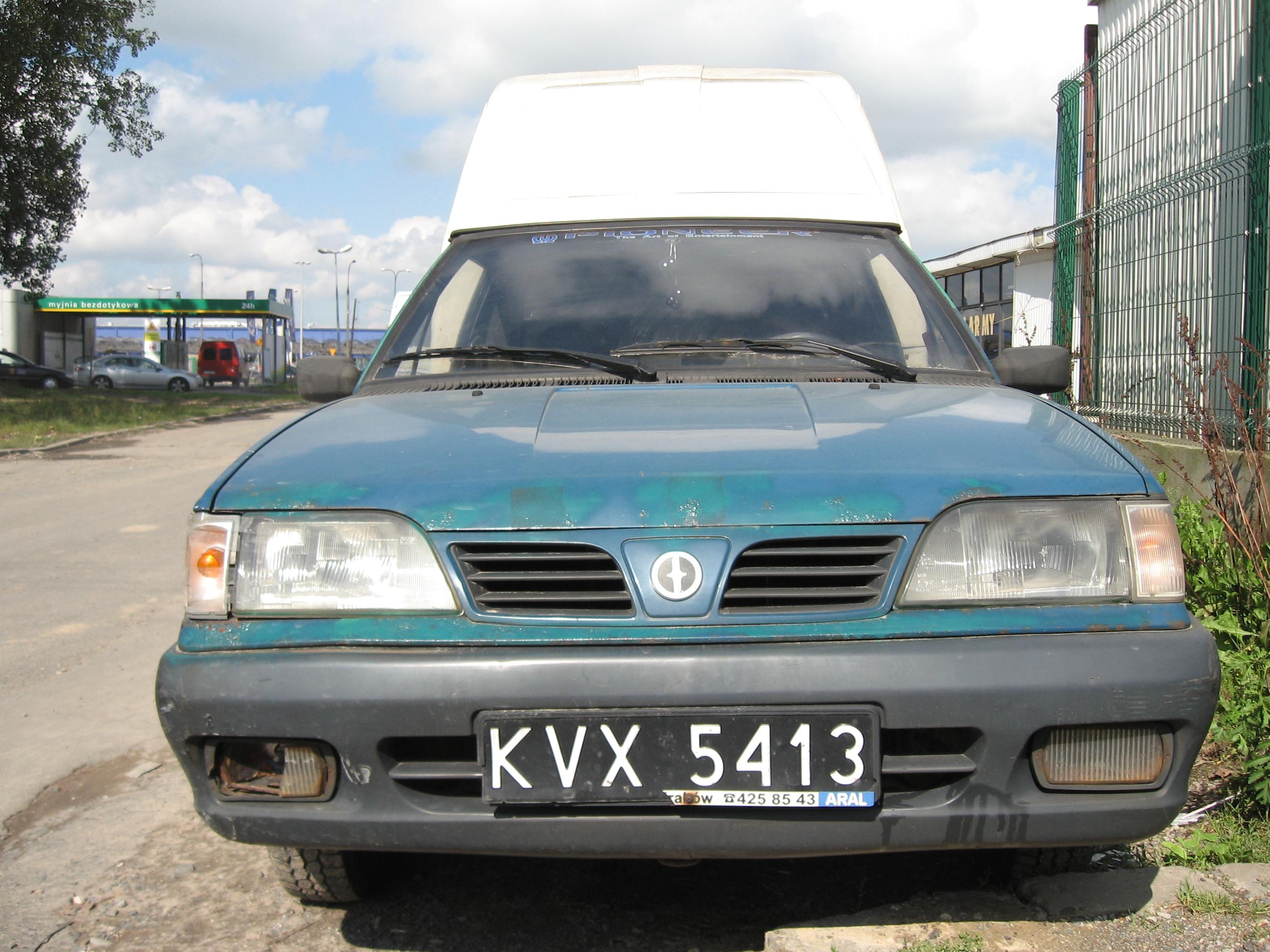 File:Daewoo-FSO Polonez Truck Plus ST in Kraków (5).jpg - Wikimedia