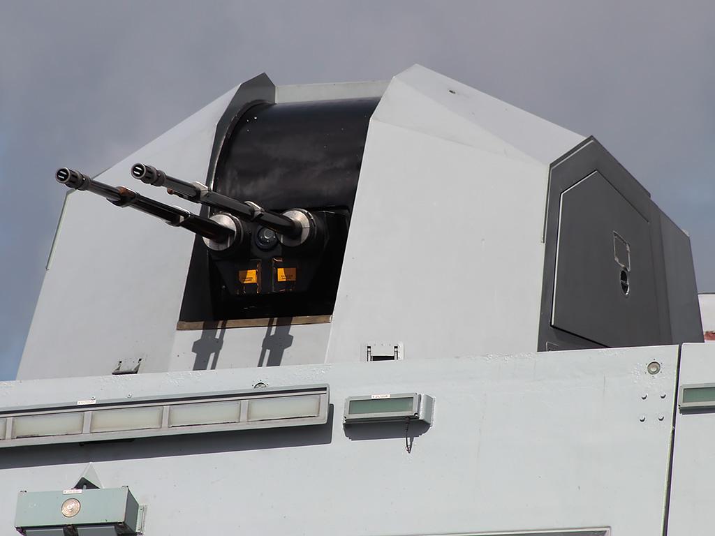 فرقاطات ميكو الجزائريه ستبدأ في تجريب منظومات umkhonto للدفاع الجوي عام 2017  Denel_35mm_Dual_Purpose_Gun