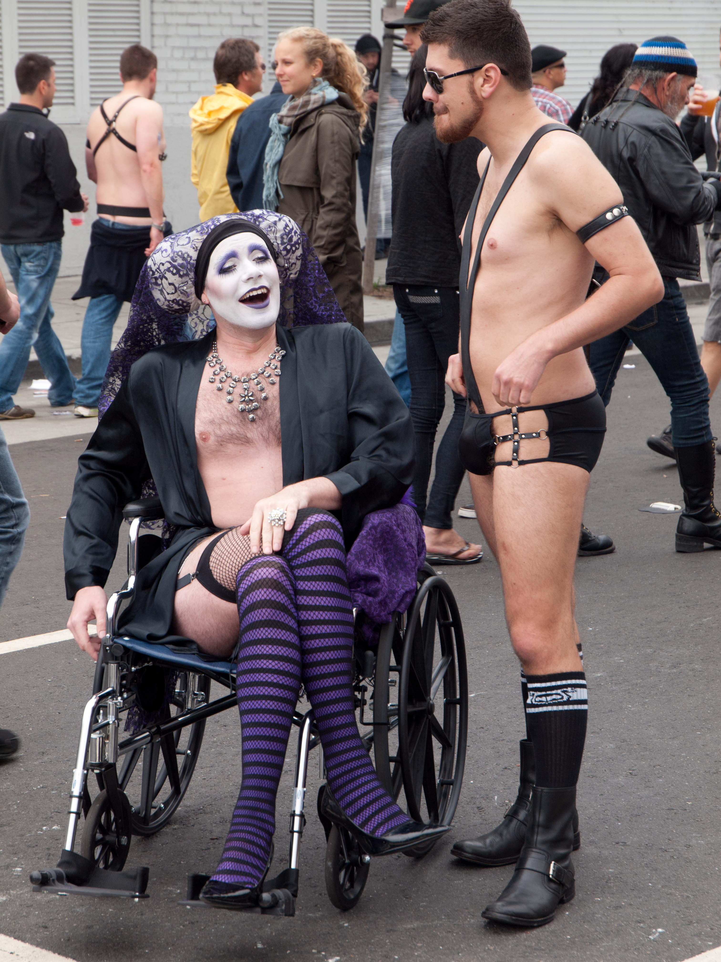 File:Folsom Street Fair wheelchair goth.jpg - Wikimedia ...