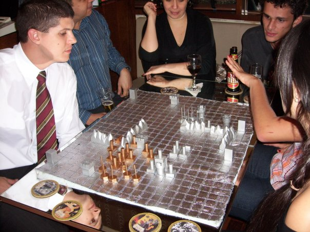 Game of War being played at Class Wargames club night, Café com Letras, Belo Horizonte, Brazil, 29 April 2009