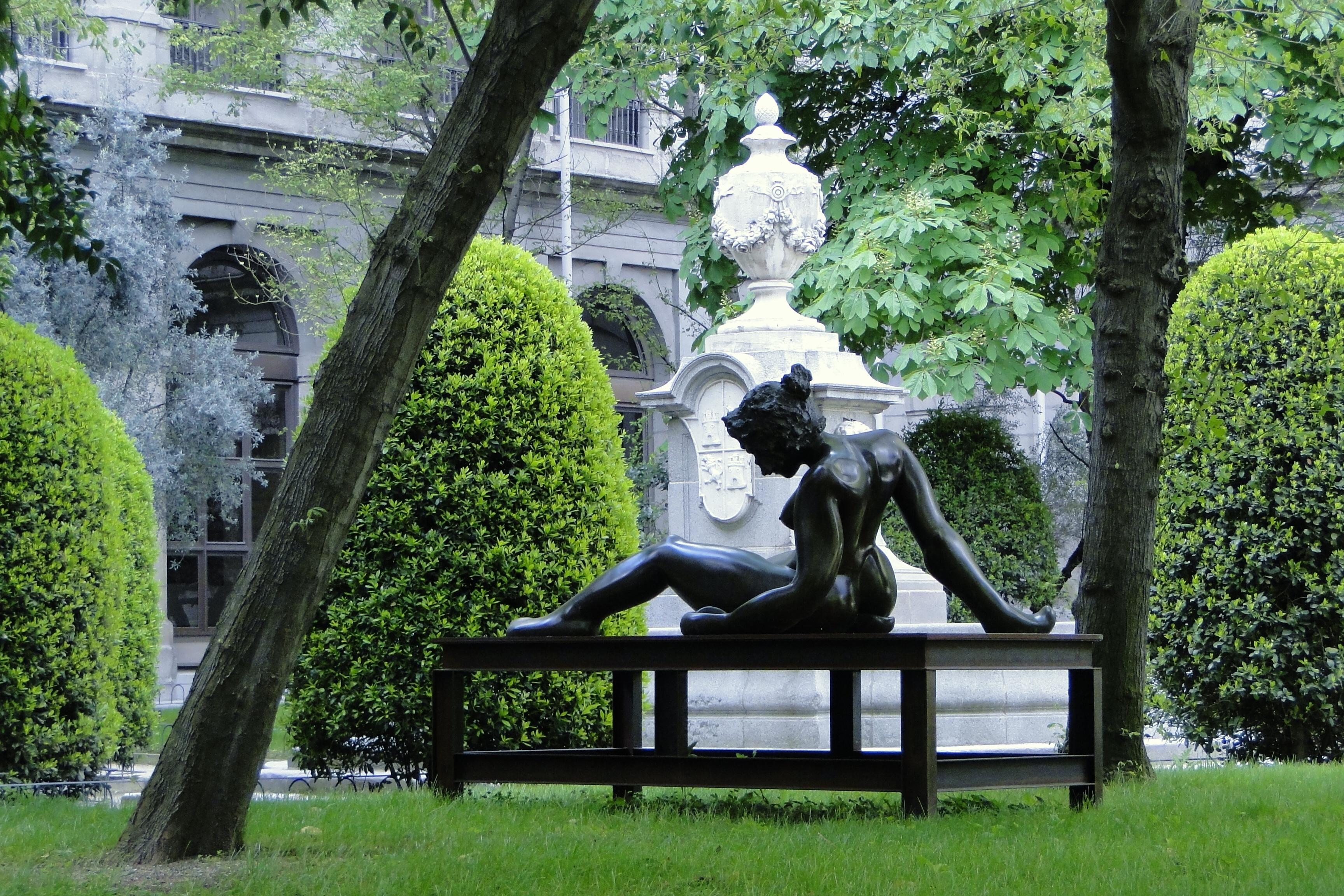 File:Garden of Museo Reina Sofia - Madrid - Spain.jpg - Wikimedia Commons