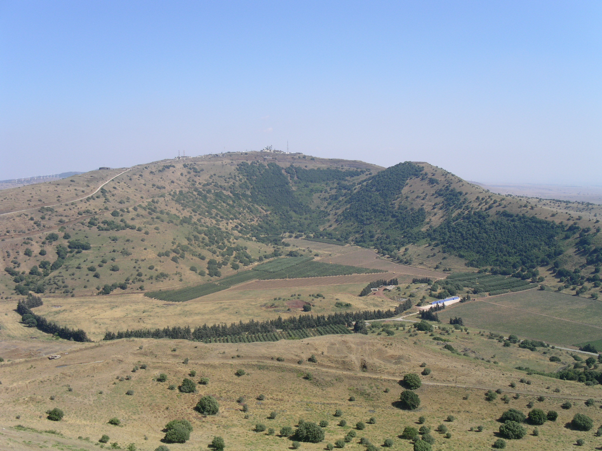 http://upload.wikimedia.org/wikipedia/commons/a/a7/Golan_1.JPG