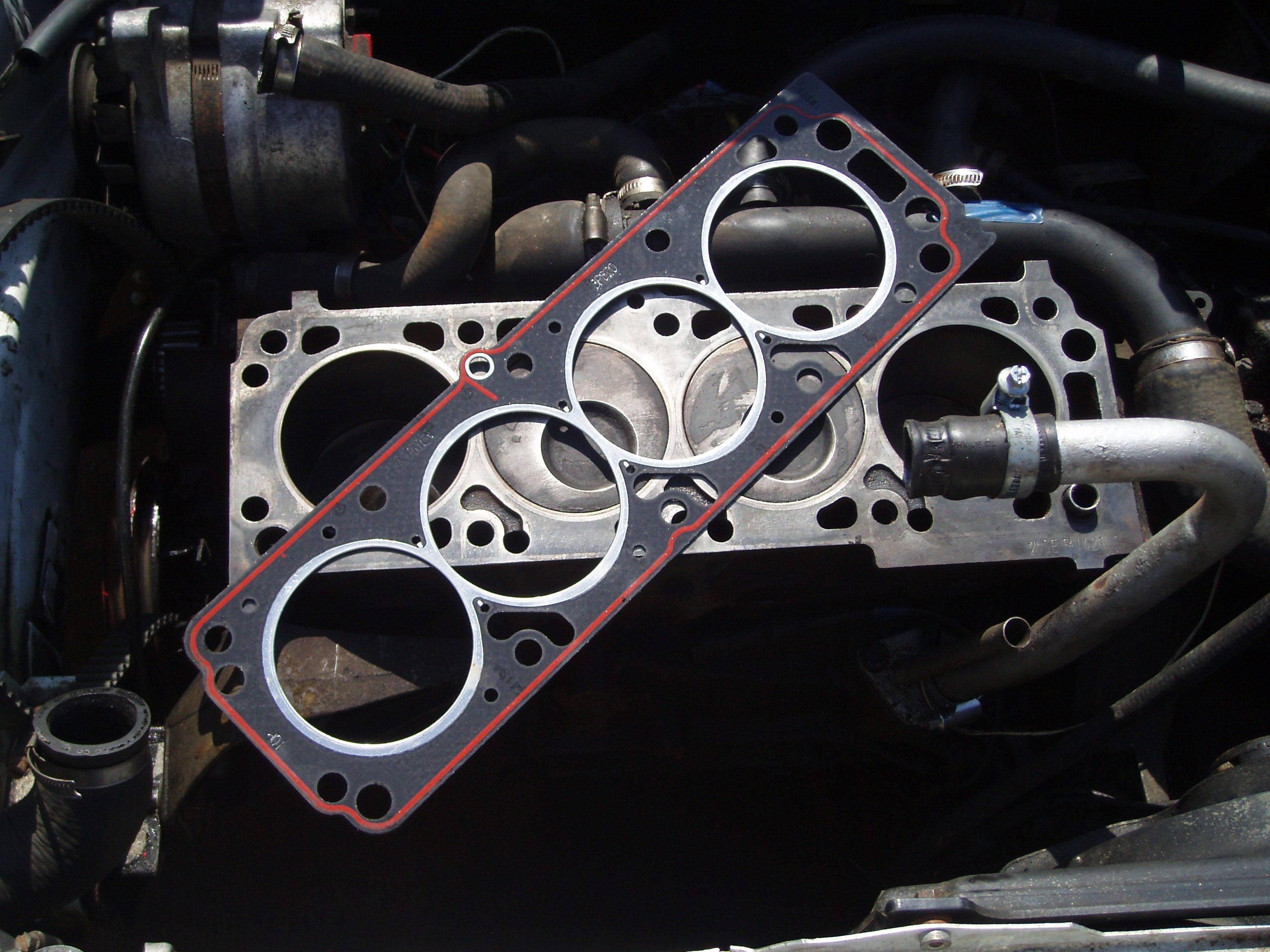 Car Shakes And Coolant Oozing Out Of Expansion Tank Maintenance Geo Tracker Engine Diagram Manifold Head Gasket On Block