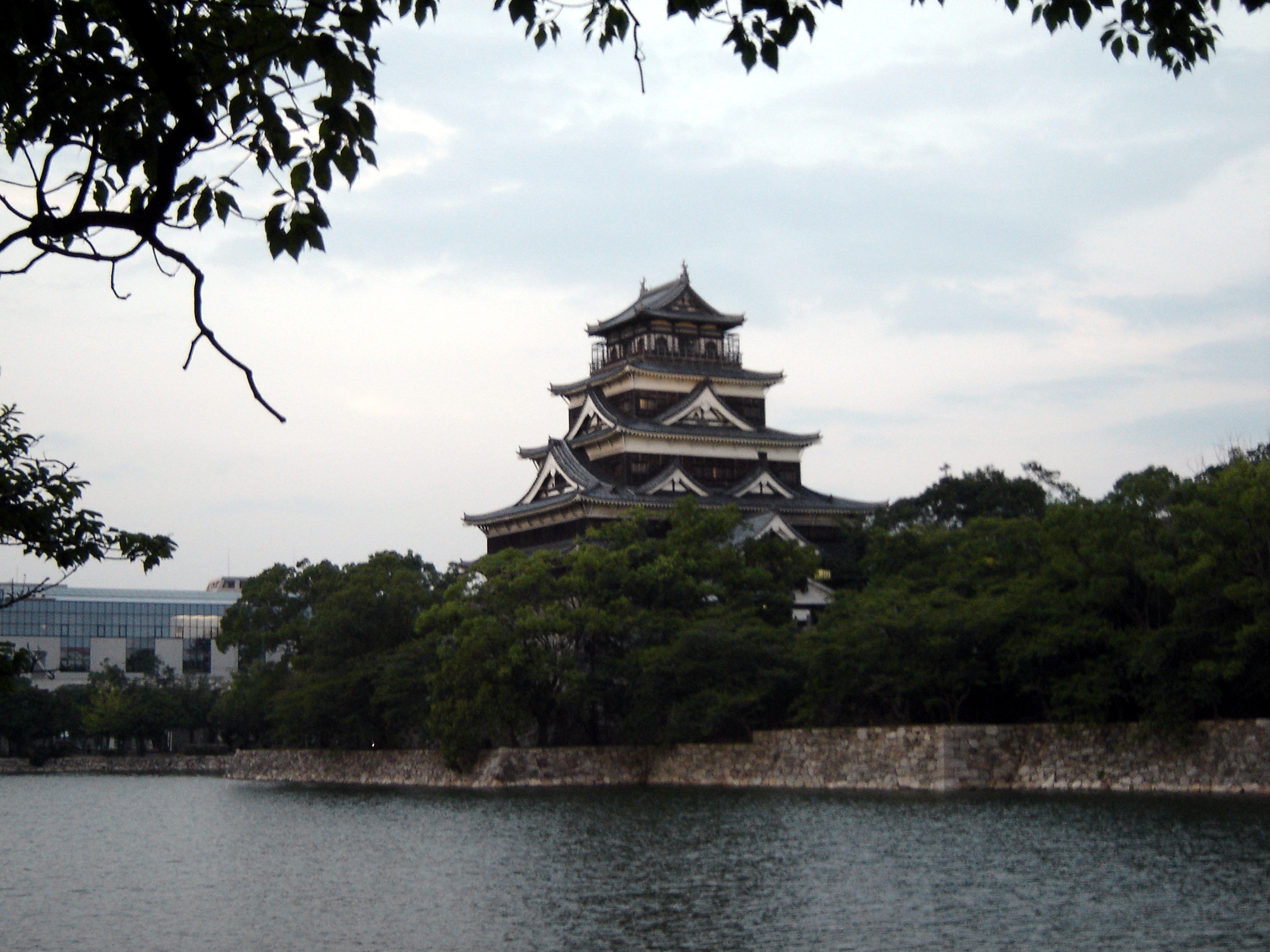 File:Hiroshima Castle.jpg - Wikipedia, the free encyclopedia