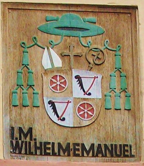 File:Mainzer-Bischof Ketteler Wappen Klein-Zimmern.JPG