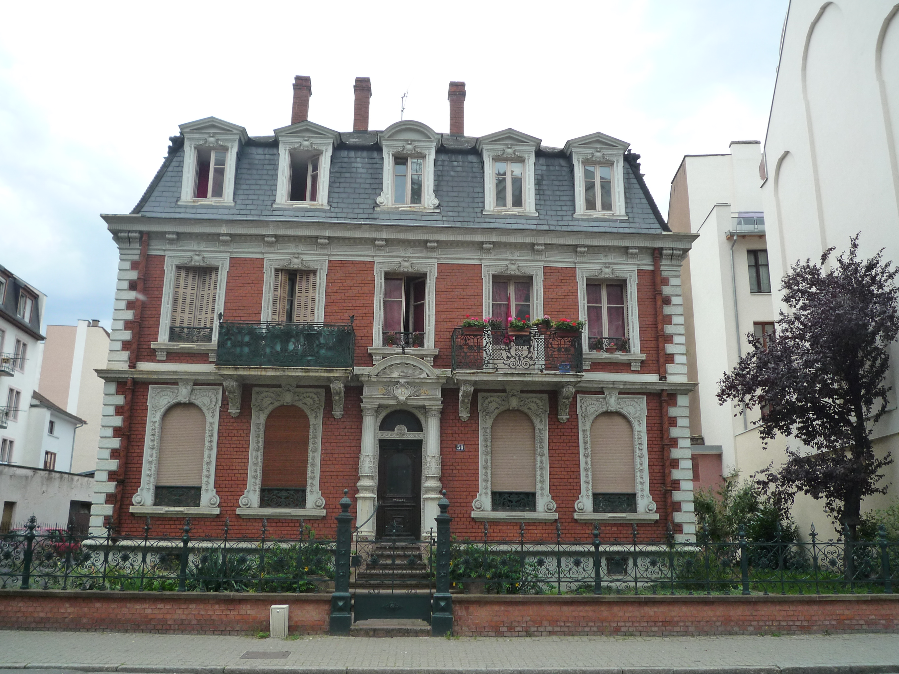 House - Wikipedia