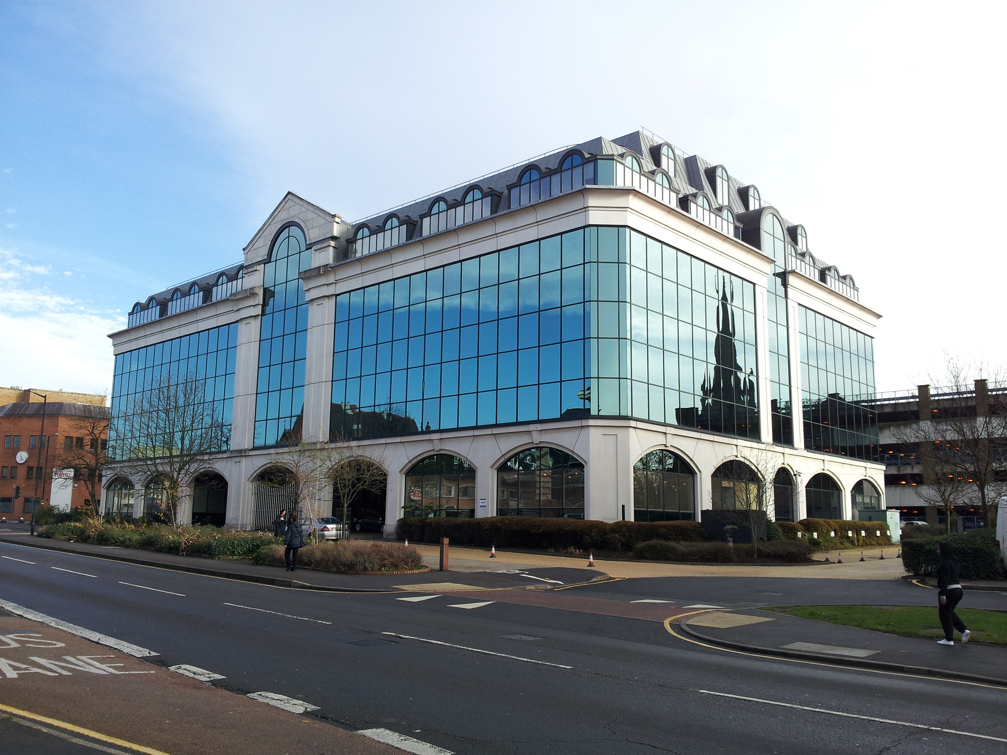File:Modern office building (8210028813).jpg - Wikimedia Commons