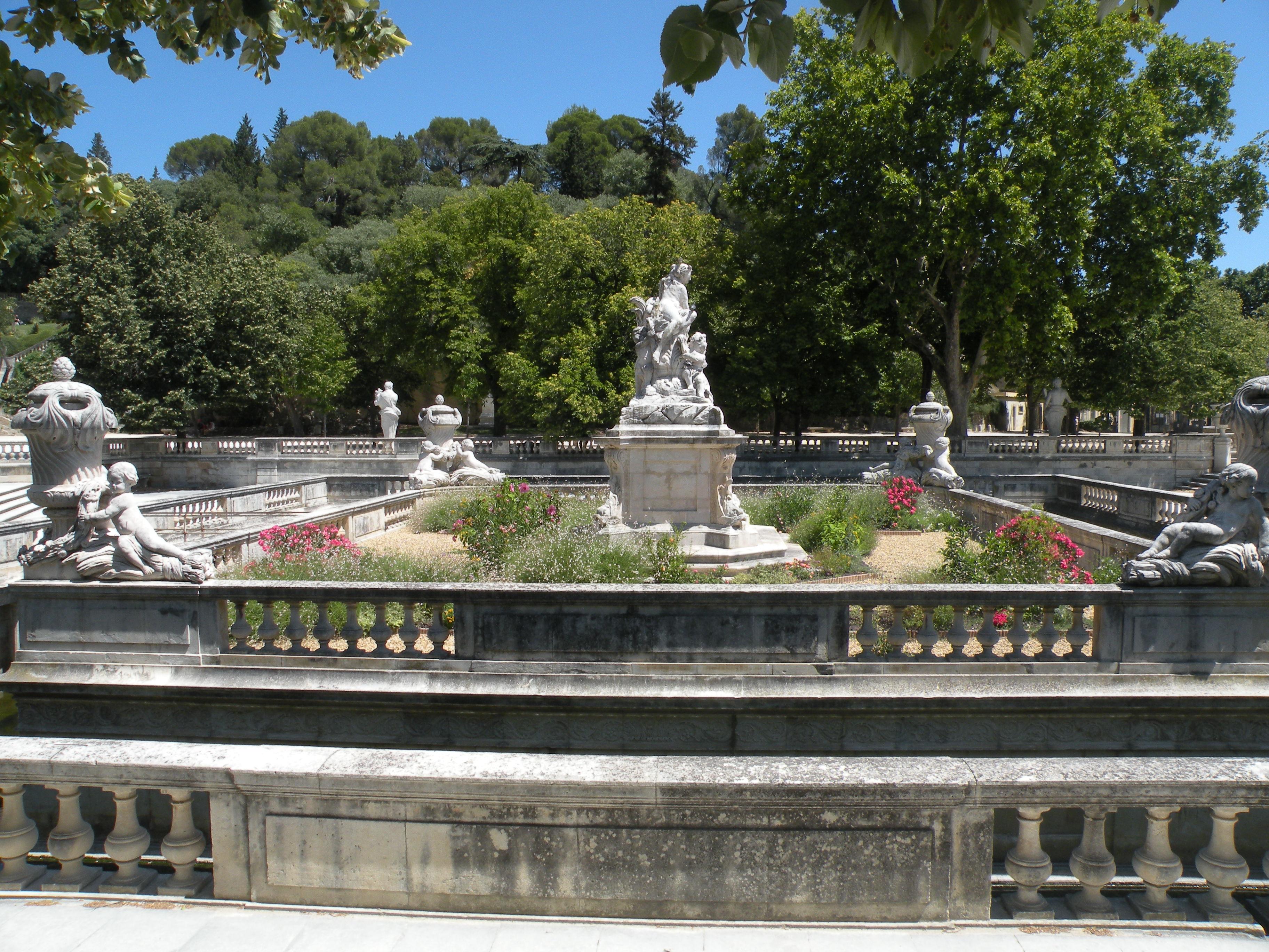 Meuble De Jardin Nimes ~ Meilleures Idées Créatives Pour la ...