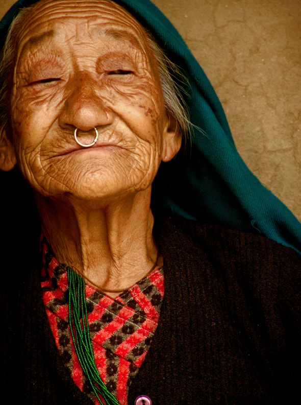 File:Old lady from Darap(Sikkim).jpg - Wikimedia Commons