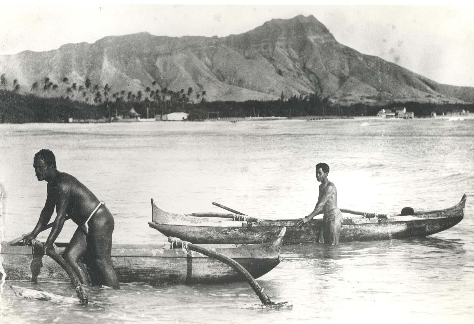 File Outrigger Canoes At Waikiki Beach Late