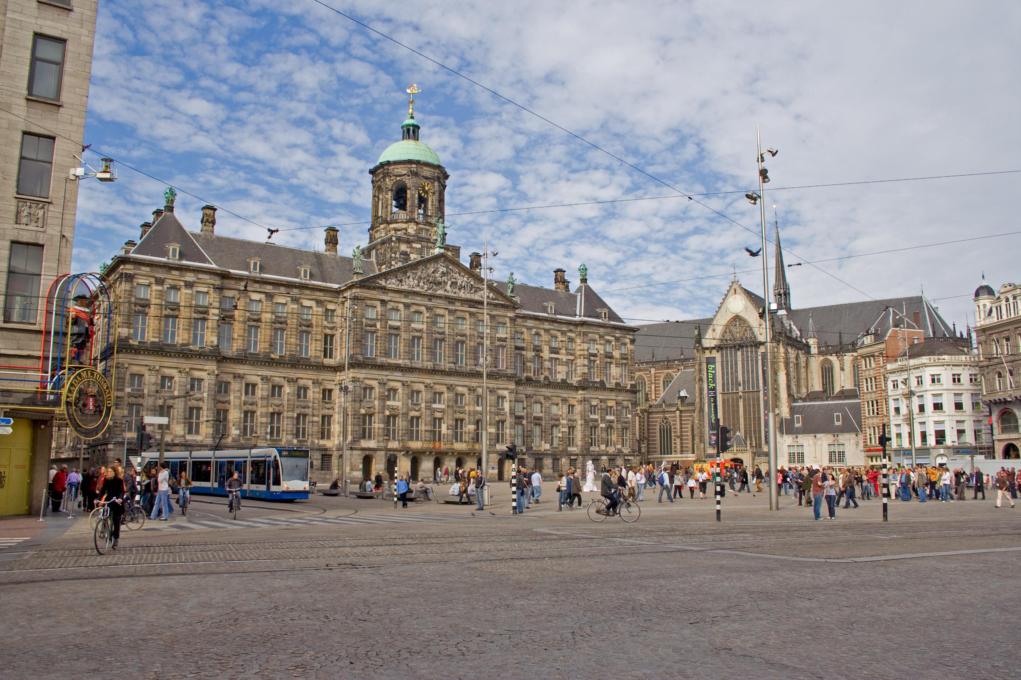 File paleis op de wikimedia commons for Appartamenti piazza dam amsterdam