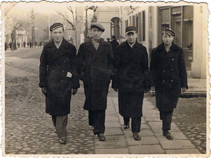 צעירים יהודיים בגרודנה