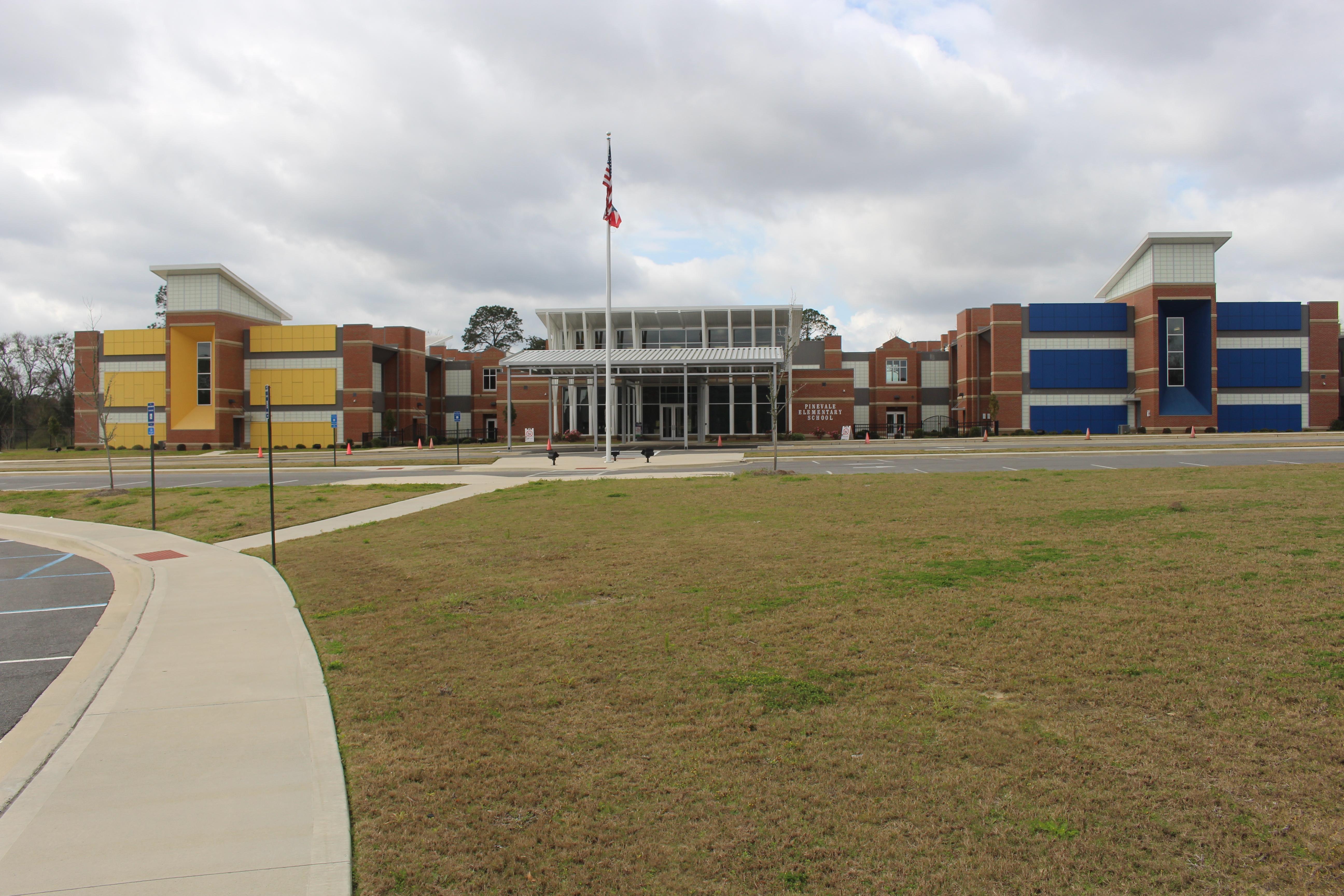 File:Pinevale Elementary School, Valdosta.jpg