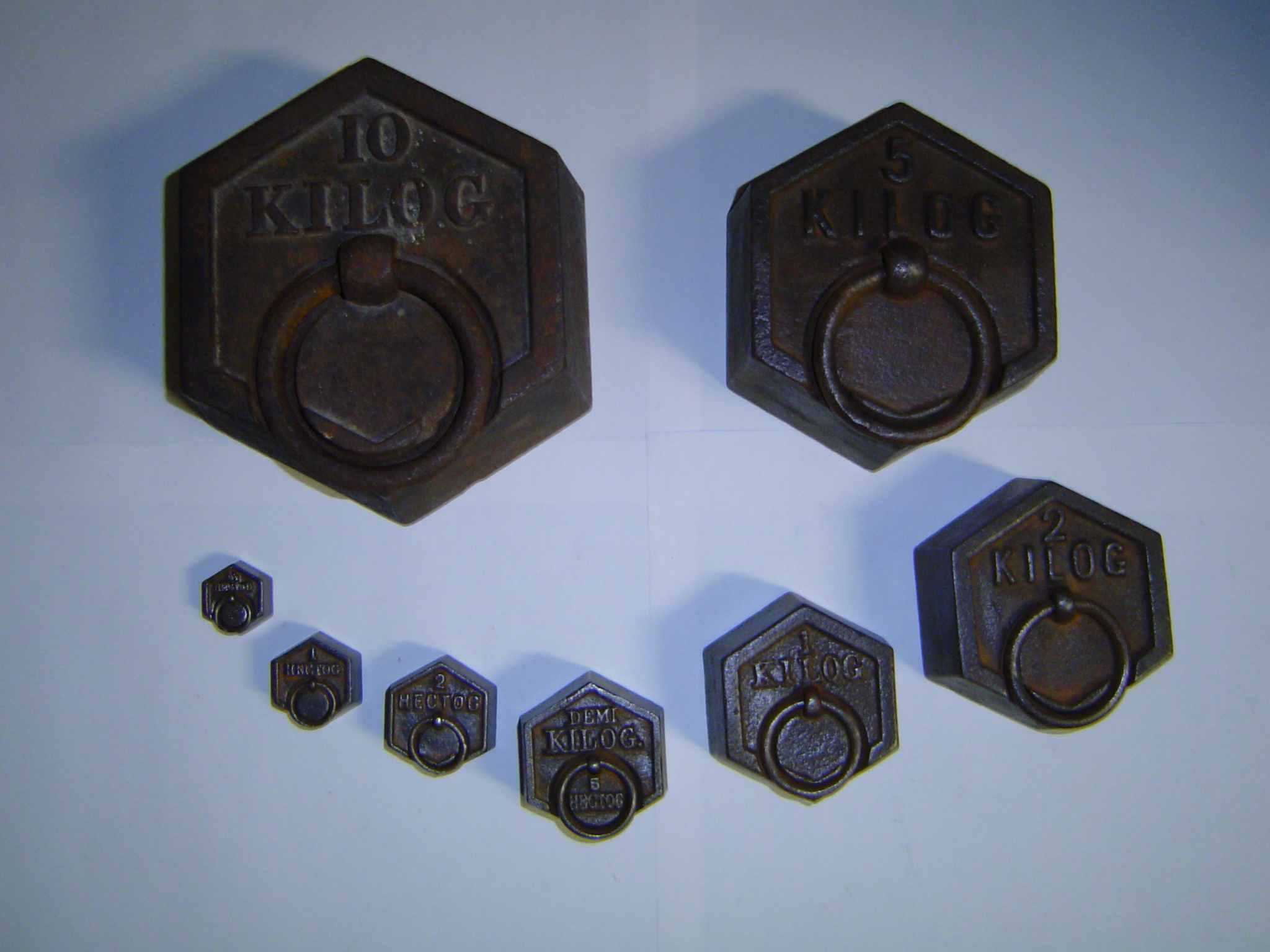 file poids en fonte 10 kg jusque 50 g jpg wikimedia commons. Black Bedroom Furniture Sets. Home Design Ideas