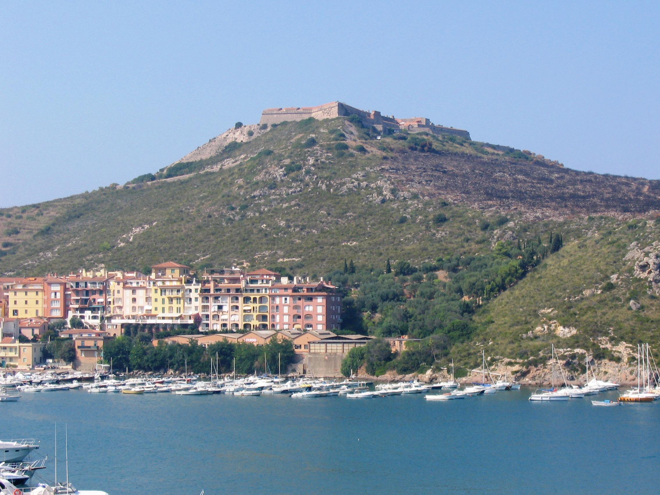Porto Ercole, Vista Forte Filippo dalla rocca