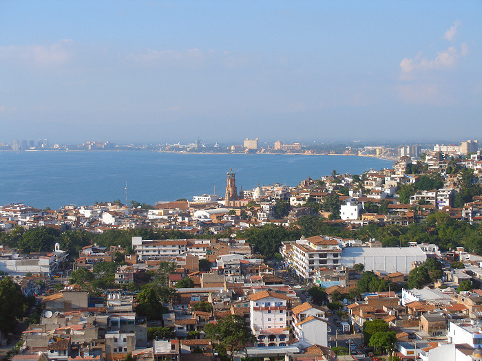 Puerto Vallarta by https://commons.wikimedia.org/wiki/User:Sam916 via https://commons.wikimedia.org/wiki/File:Puerto_vallarta_skyline.jpg