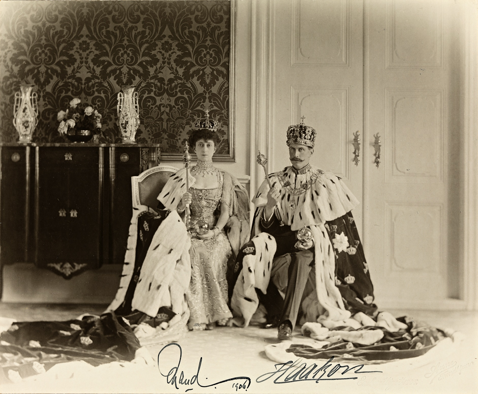 File:Queen Maud and King Haakon VII in 1906 crop.jpg