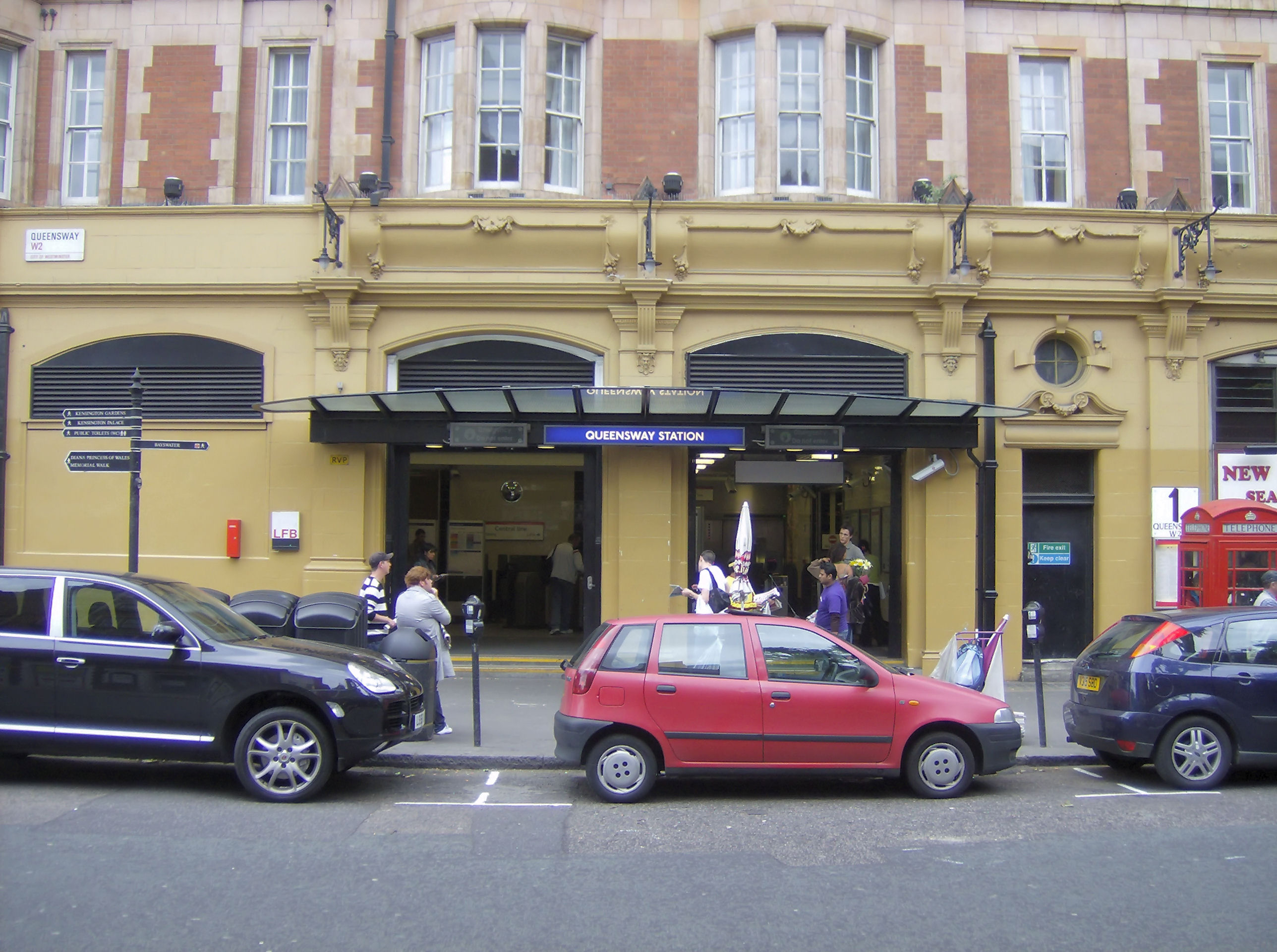 Queensway tube station - Wikiwand