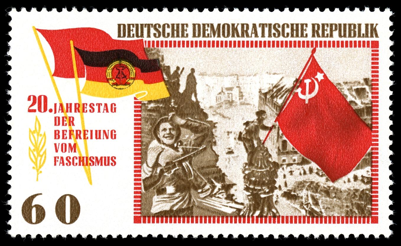 La photo représentée sur un timbre de la DDR, la RDA en allemand.