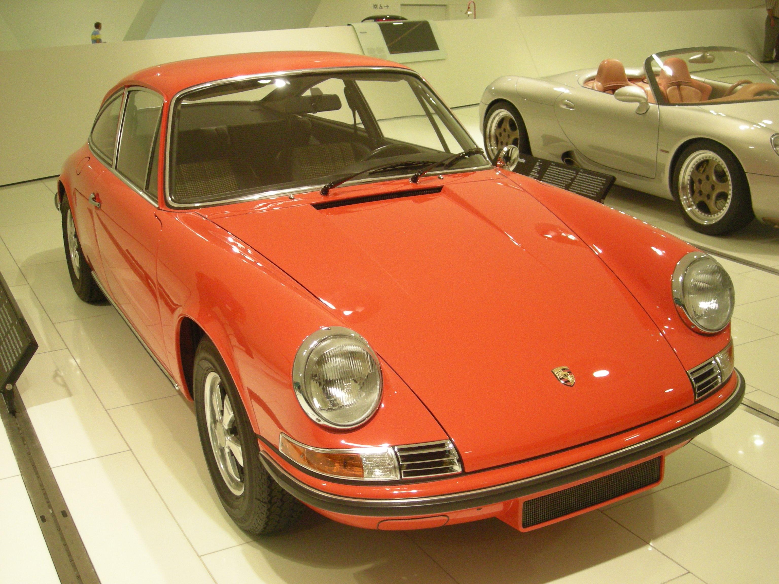 File:Stuttgart Jul 2012 17 (Porsche Museum - 1970 Porsche 911 S Typ
