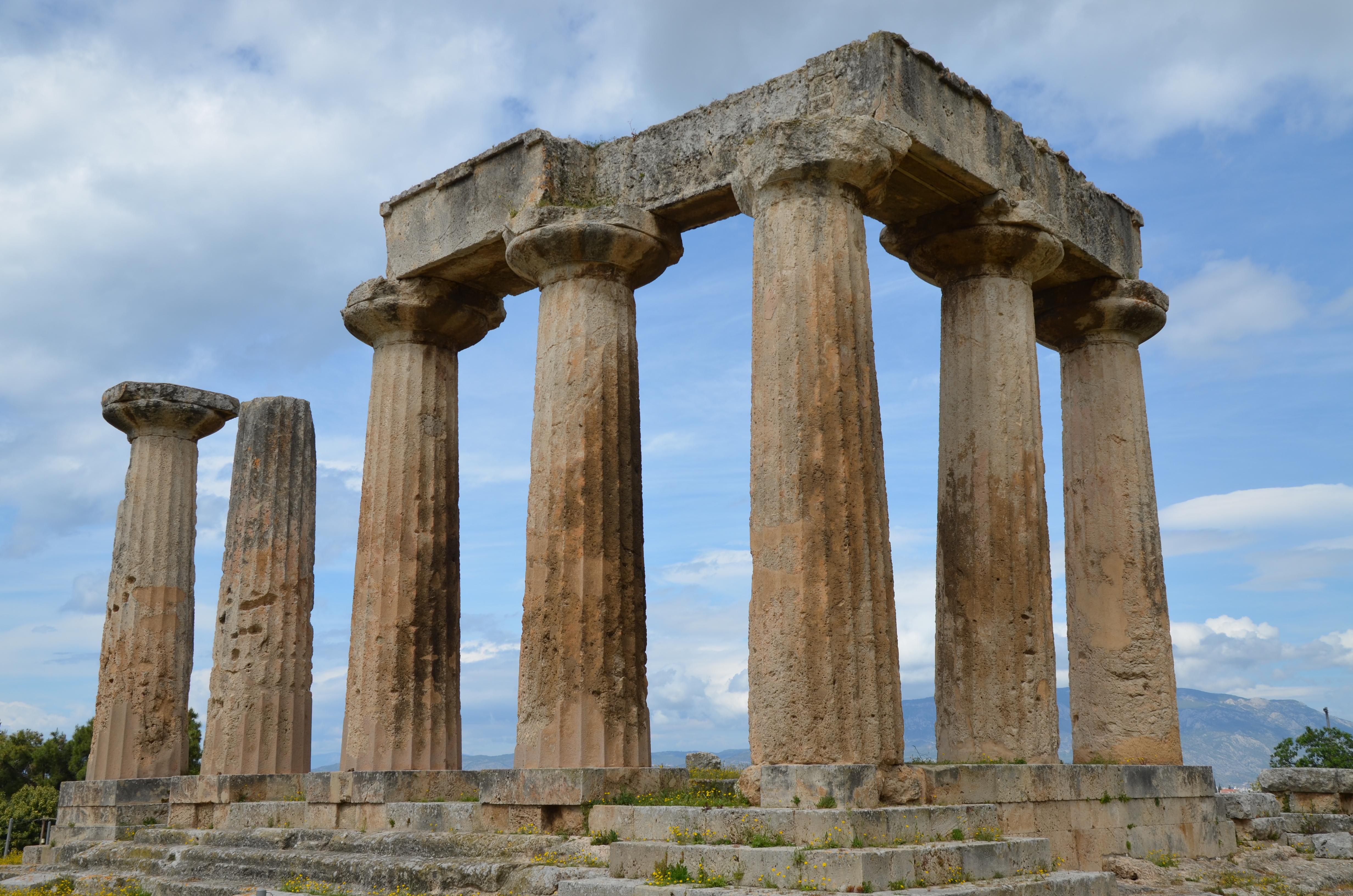 File:Temple of Apollo, built ca. 540 BC, Corinth, Greece ...