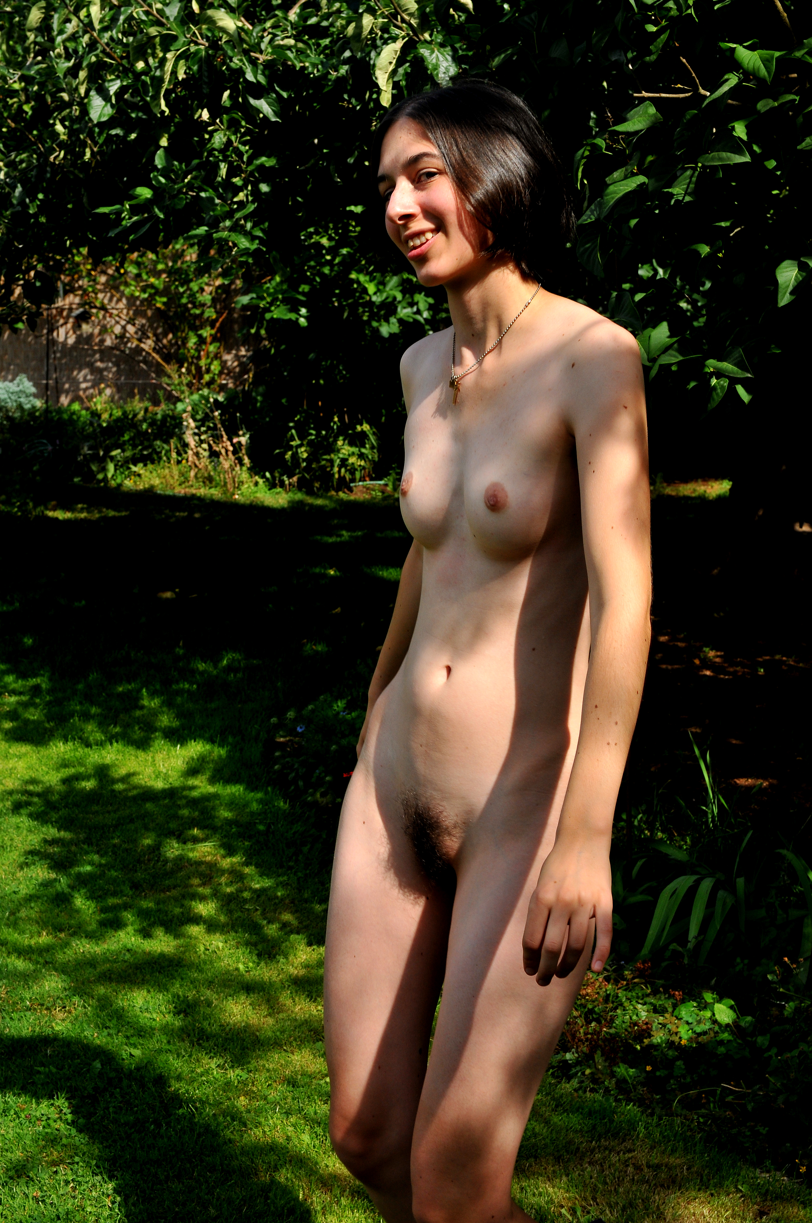 file tor in park nude full     wikimedia commons