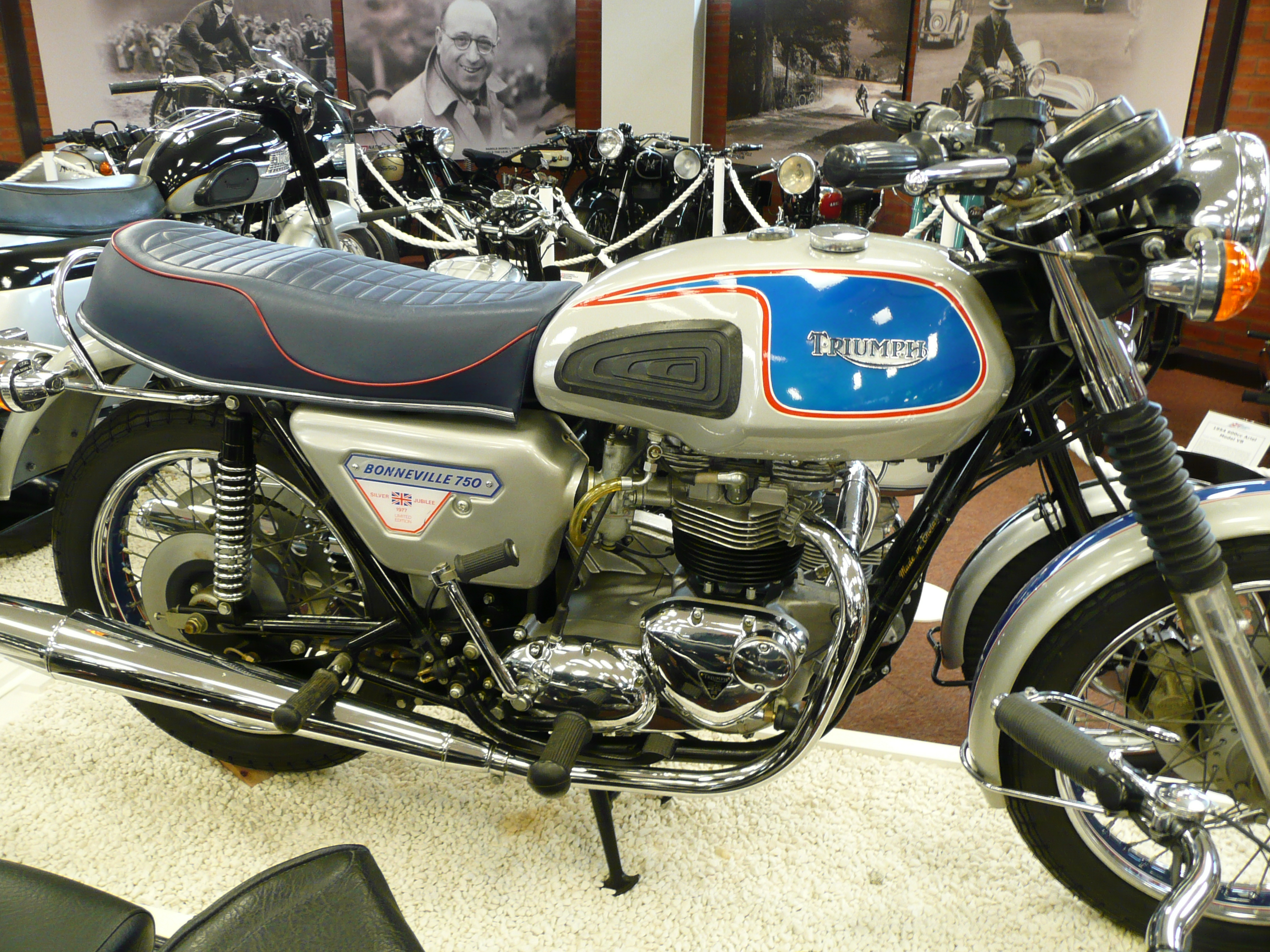 Triumph Bonneville T140 Wikipedia 1970 Trophy 650 Wiring Diagram Jubilee 1977