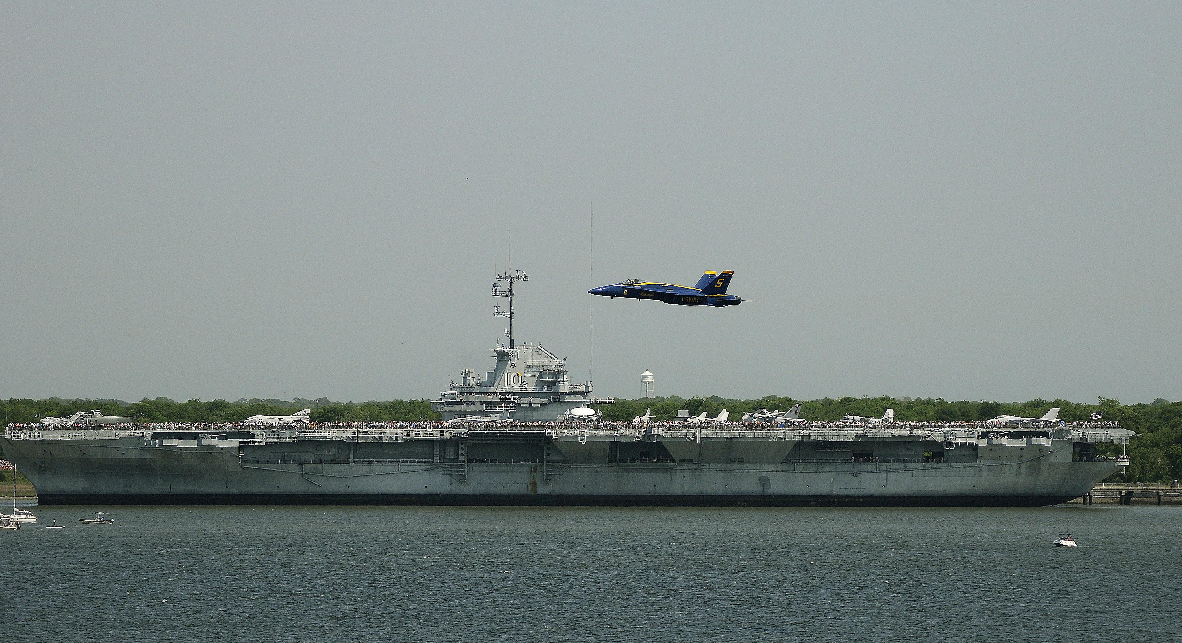 File Us Navy 100417 N 6999h 103 An F A 18 Hornet Assigned