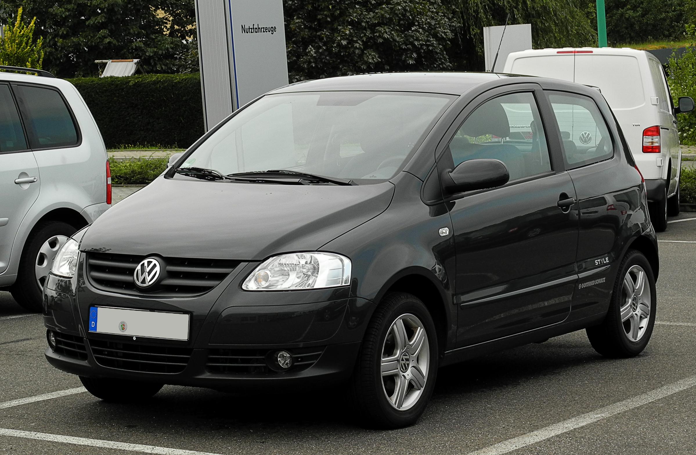 File:VW Fox 1.2 Style – Frontansicht, 14. August 2011, Velbert.jpg - Wikimedia Commons
